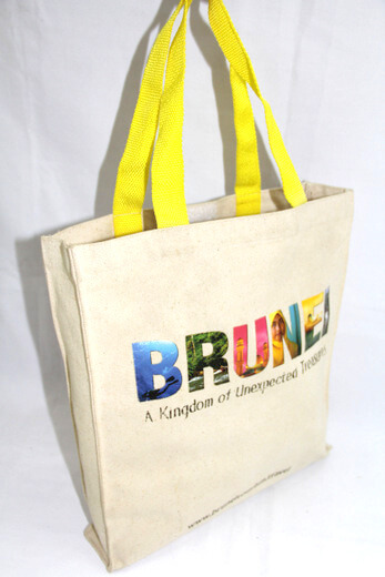 Reusable promotional cotton/canvas shopping totes with custom print/logo, tourist souvenir, Bruni, #04-038
