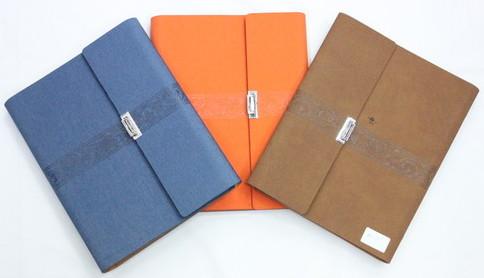 Loose Leaf note book, 0601-015-1