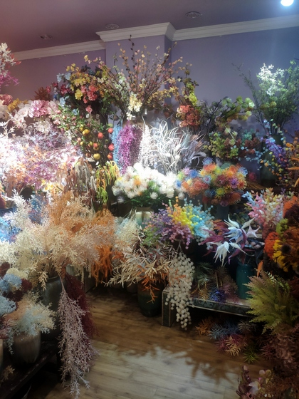 9101 YIZHENG Artificial Flowers & Plants wholesale supplier showroom 005
