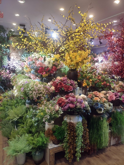 9101 YIZHENG Artificial Flowers & Plants wholesale supplier showroom 007