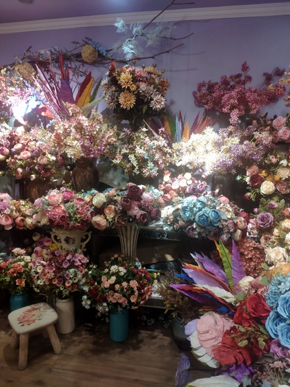 9101 YIZHENG Artificial Flowers & Plants wholesale supplier showroom 011