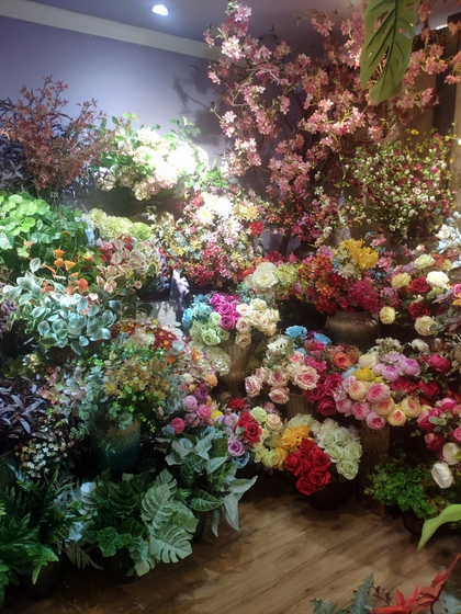 9101 YIZHENG Artificial Flowers & Plants wholesale supplier showroom 015