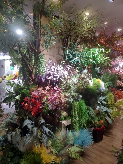 9101 YIZHENG Artificial Flowers & Plants wholesale supplier showroom 016