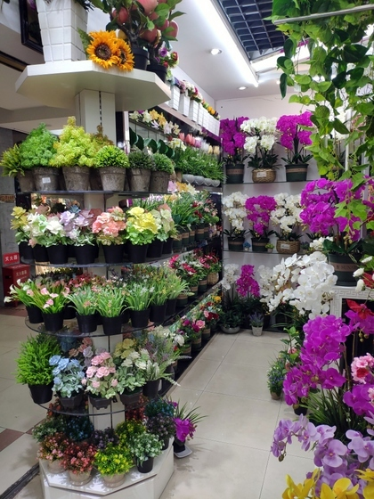 9104 SIHAI Artificial Flowers & Plants showroom 006