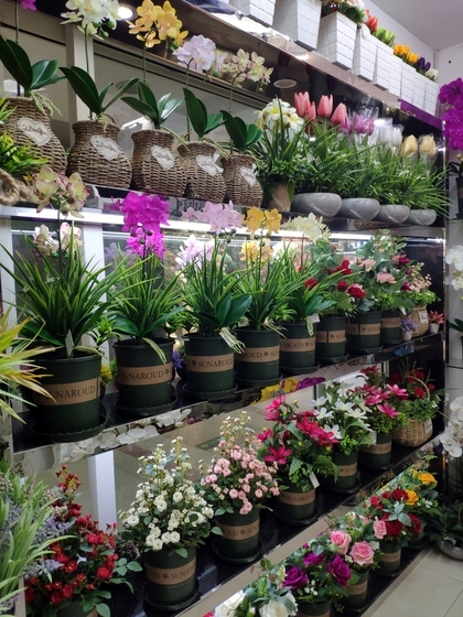 9104 SIHAI Artificial Flowers & Plants showroom 007
