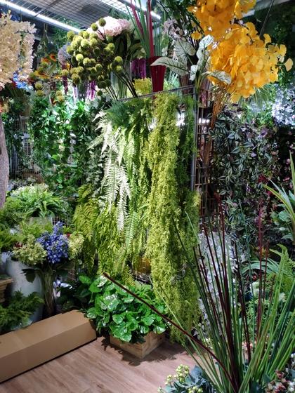 9105 OuXi Plastic Flowers Showroom 003