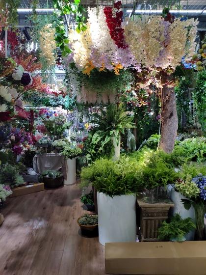 9105 OuXi Plastic Flowers Showroom 004