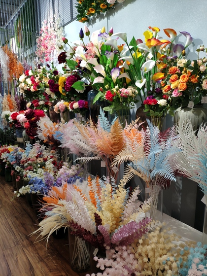 9107 ShunChang Plastic Flowers Store Front Showroom 004