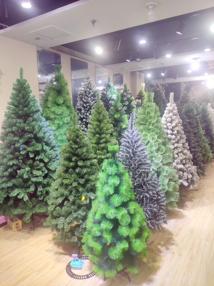 9110 Xinyuan Christmas Tree Factory Wholesale Supplier Showroom 003