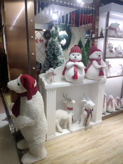 9110B ZUOFEI Christmas Decor Factory Wholesale Supplier showroom 001