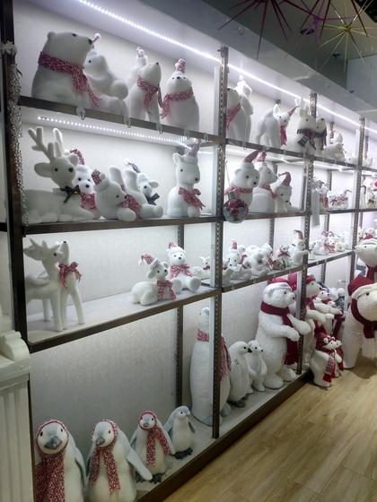 9110B ZUOFEI Christmas Decor Factory Wholesale Supplier showroom 002