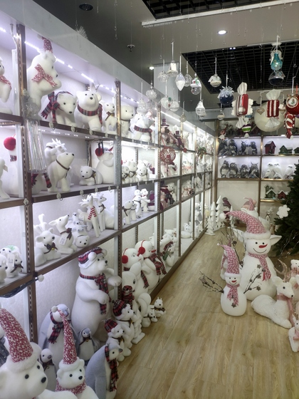9110B ZUOFEI Christmas Decor Factory Wholesale Supplier showroom 003