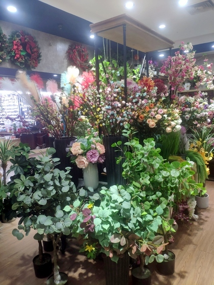 9111 TINGXUAN Flowers Factory Wholesale Supplier in Yiwu China. Showroom 006