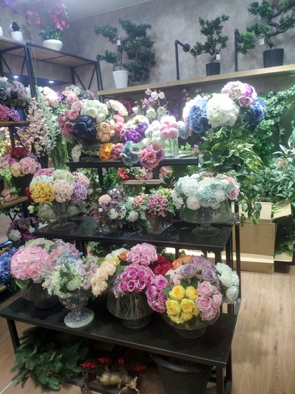 9111 TINGXUAN Flowers Factory Wholesale Supplier in Yiwu China. Showroom 007