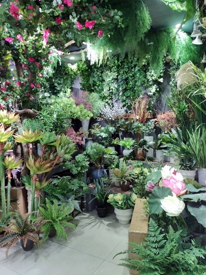 9116 Bright Land Man made Plants & Leaves Showroom 003