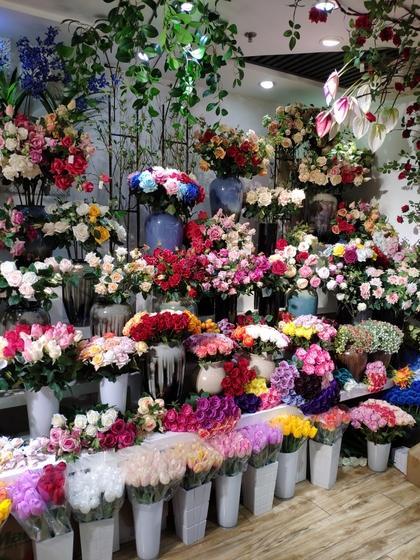 9117 JunTing Artificial Flowers Showroom 006