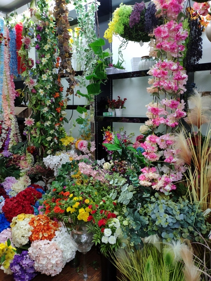9119 HongShuLin Man Made Flowers Showroom 003