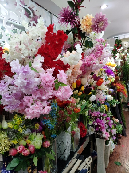 9119 HongShuLin Man Made Flowers Showroom 007