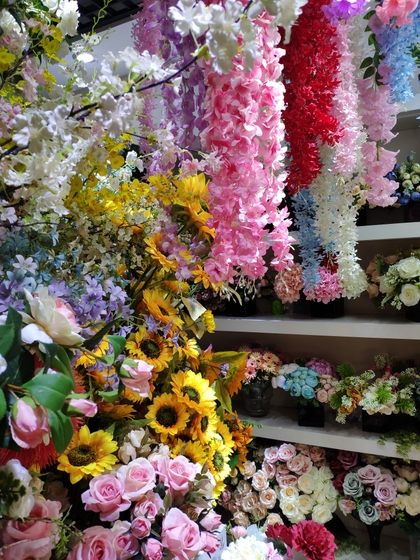9120 JunWei Artificial Flowers Showroom 003