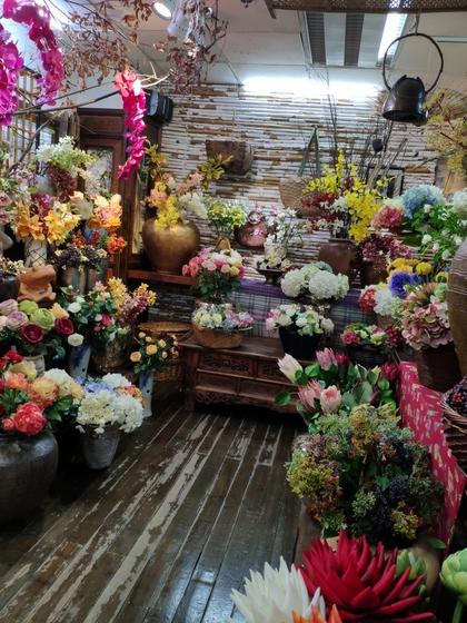 9121 LouJia Flowers Showroom 002