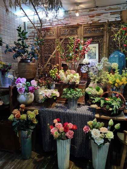 9121 LouJia Flowers Showroom 006