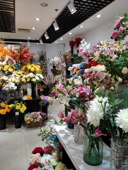 9122 HangBin Fake Plants Showroom 003