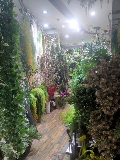 9124 XINSIJI Artificial Flowers & Plants Wholesale Factory Supplier in Yiwu China. Showroom 005