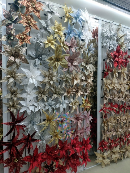 9128 MuCheng Christmas Flowers Showroom 007