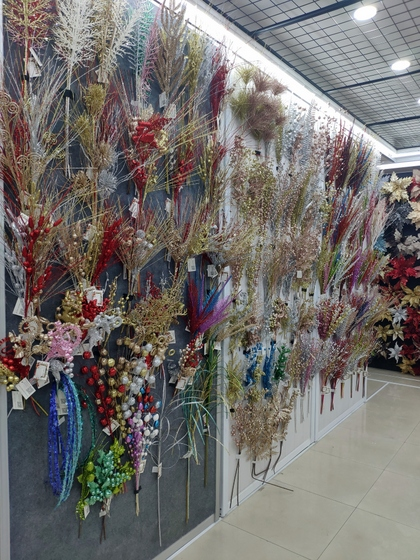 9128 MuCheng Christmas Flowers Showroom 010