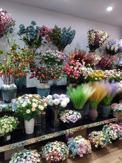 9129 HONGJINGSHU Artificial Flowers Showroom 006