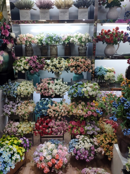9129 HONGJINGSHU Artificial Flowers Showroom 007