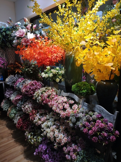 9129 HONGJINGSHU Artificial Flowers Showroom 008