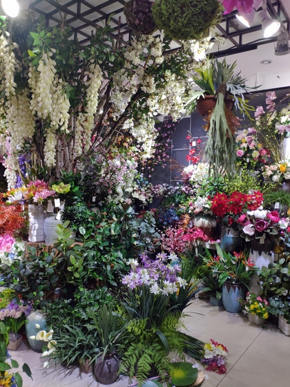 9130 HONGXIN Plastic Flowers Showroom 005