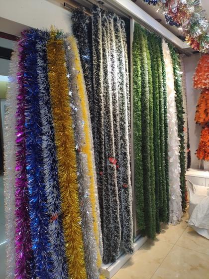 9131 JINGXITE Tinsel Metallic Garland Showroom 003