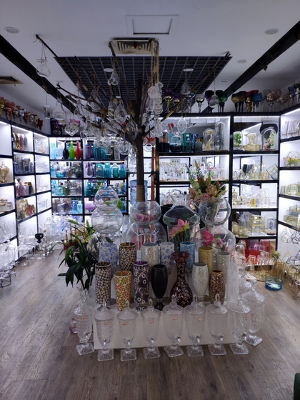 9133 JingBo Glasswar & Decorations Showroom 001