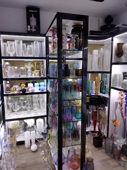 9133 JingBo Glasswar & Decorations Showroom 002