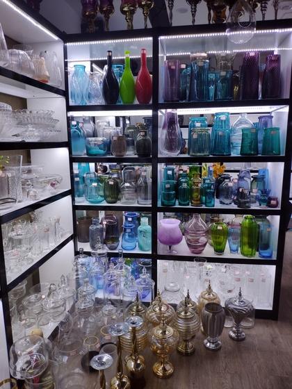 9133 JingBo Glasswar & Decorations Showroom 003