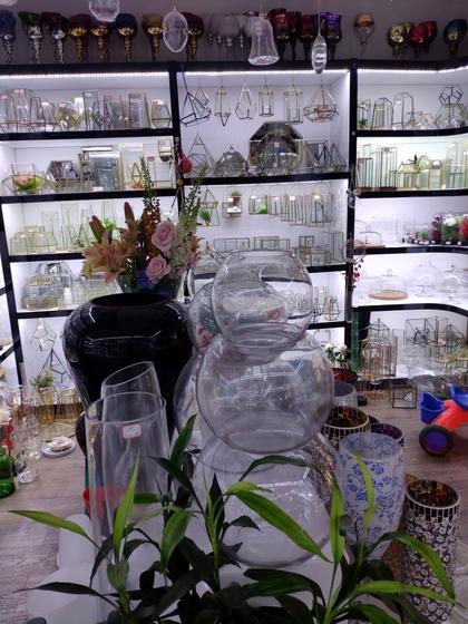 9133 JingBo Glasswar & Decorations Showroom 005