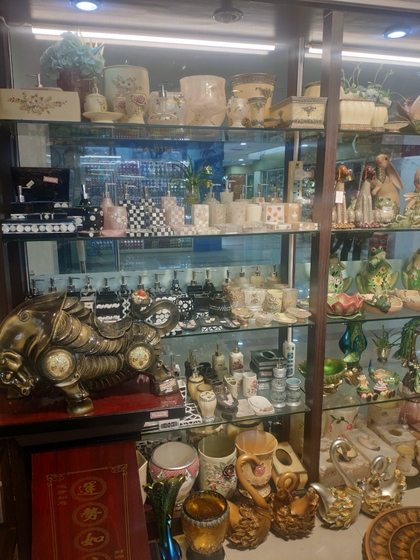 9136 SHZM Home Decor Giftware Factory Wholesale Supplier in Yiwu China. Showroom 006