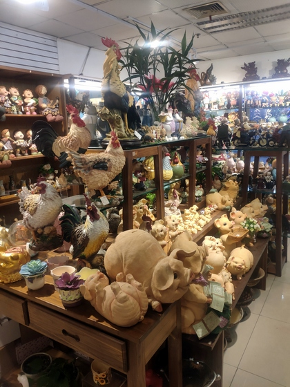 9136 SHZM Home Decor Giftware Factory Wholesale Supplier in Yiwu China. Showroom 011
