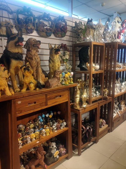 9136 SHZM Home Decor Giftware Factory Wholesale Supplier in Yiwu China. Showroom 016
