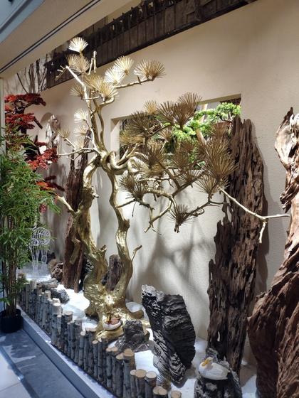 9141 SHAMU Pine Trees Carving Showroom 001