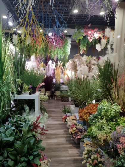 9144 ZhiYi Flowers Showroom 002