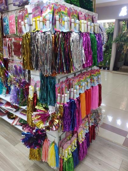 9157 ShengHong Christmas Stripes & Garlands Showroom 002