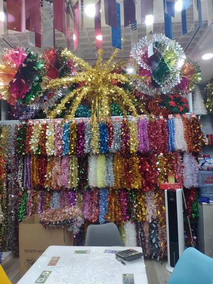 9157 ShengHong Christmas Stripes & Garlands Showroom 003