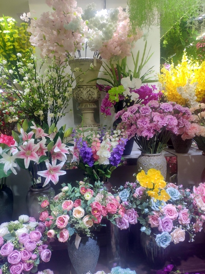 9167 TIANYUAN Artificial Floral Factory Wholesale Supplier Yiwu China. Showroom  004