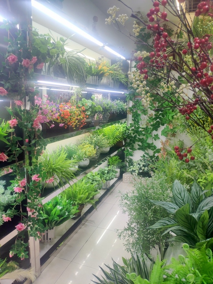 9167 TIANYUAN Artificial Floral Factory Wholesale Supplier Yiwu China. Showroom  006