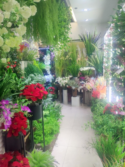 9167 TIANYUAN Artificial Floral Factory Wholesale Supplier Yiwu China. Showroom  007