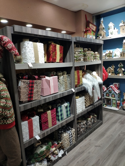 9172 BoYang Christmas Crafts Showroom 004