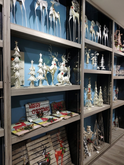 9172 BoYang Christmas Crafts Showroom 008